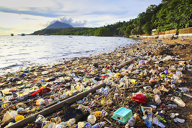 plasticpollutionocean-1